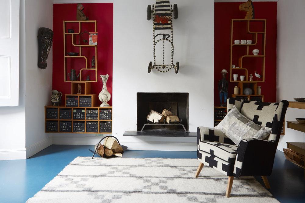 Living room with Stitch by Stitch Makalu radhi rug.