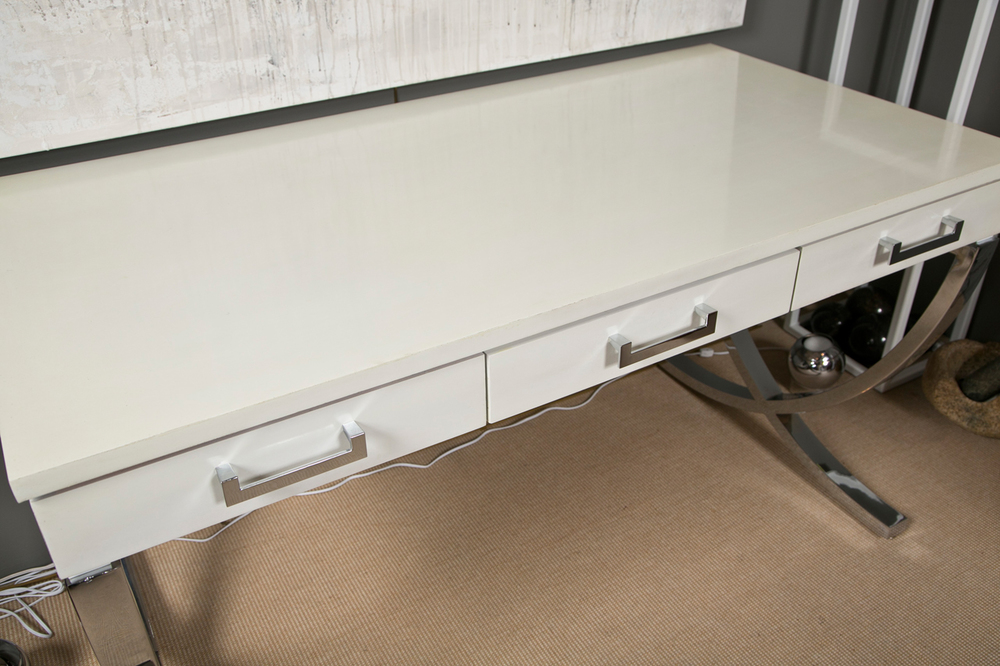 Curved X Base Desk 3.jpg