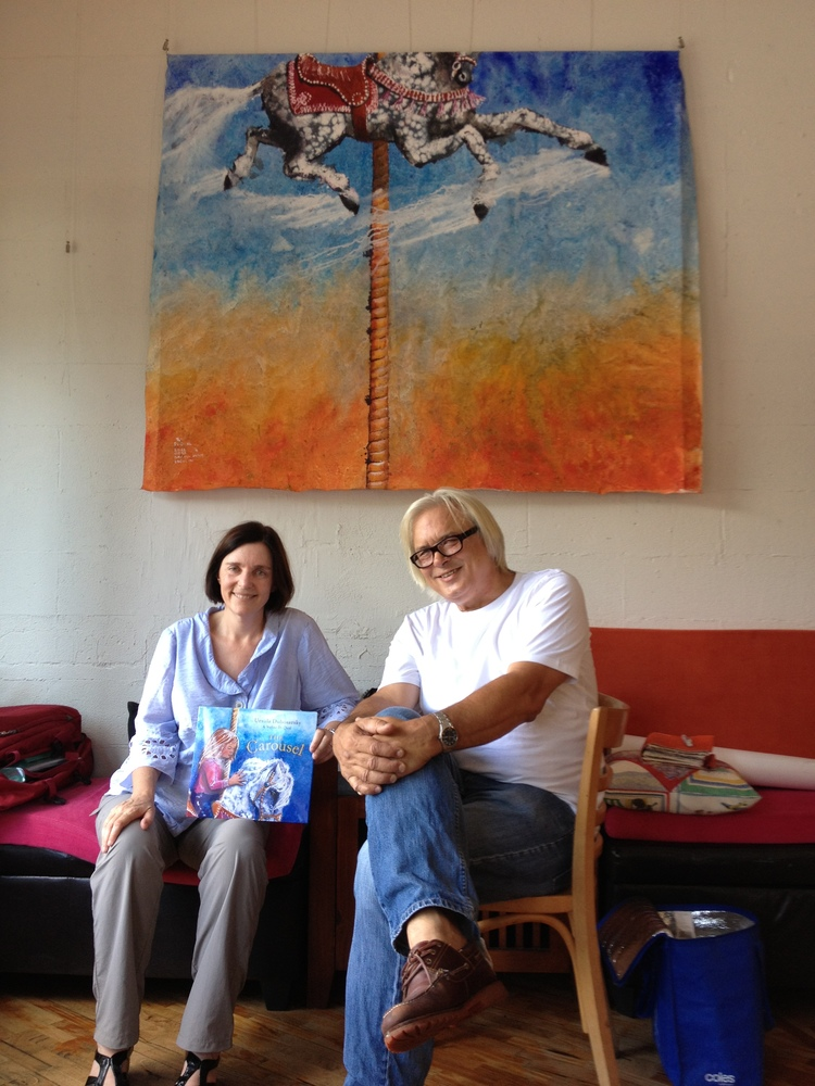 URSULA AND ARTIST WALTER DI QUAL AT THE CAROUSEL CAFE, LEICHHARDT, JANUARY 2013