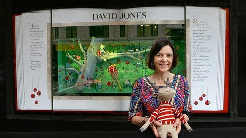 http://www.smh.com.au/entertainment/books/childrens-authors-christmas-story-decorates-david-jones-windows-20141127-11unep.html