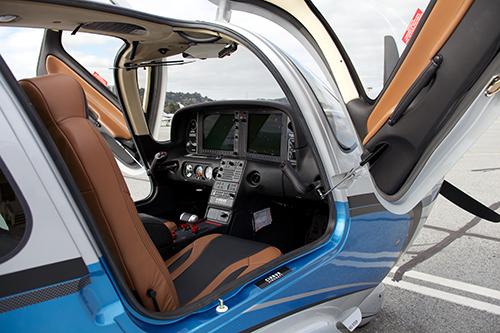 N667MT-interior.jpg