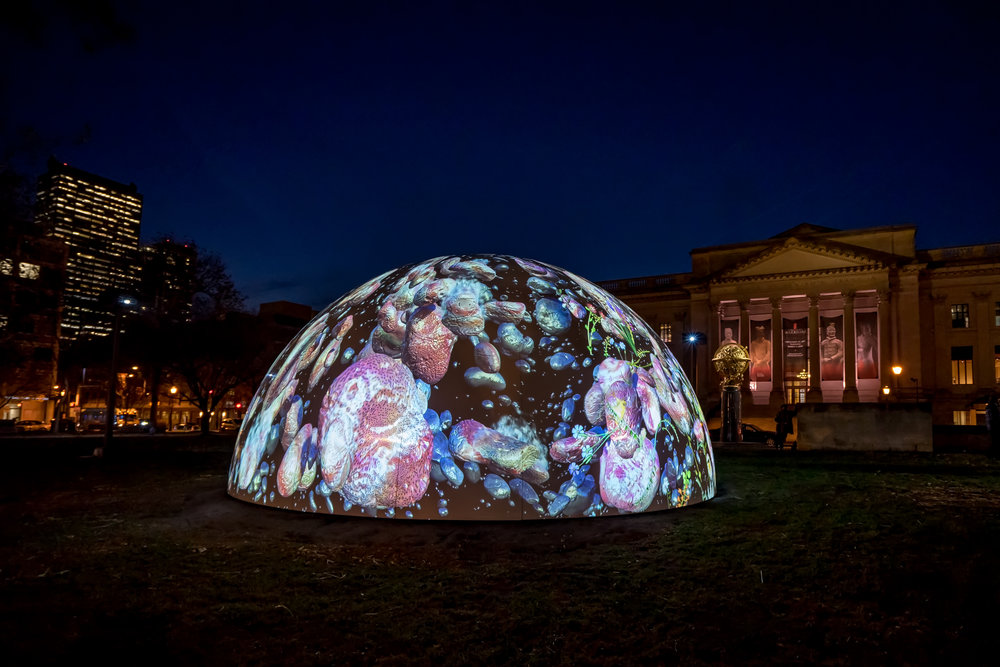 Winter Fountains (2017) by Jennifer Steinkamp, presented by the Parkway Council and commissioned by the Association for Public Art (aPA). Photo Jeff Fusco Photography © 2017, courtesy aPA.