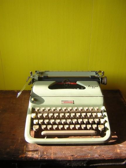 typewriter-jpg