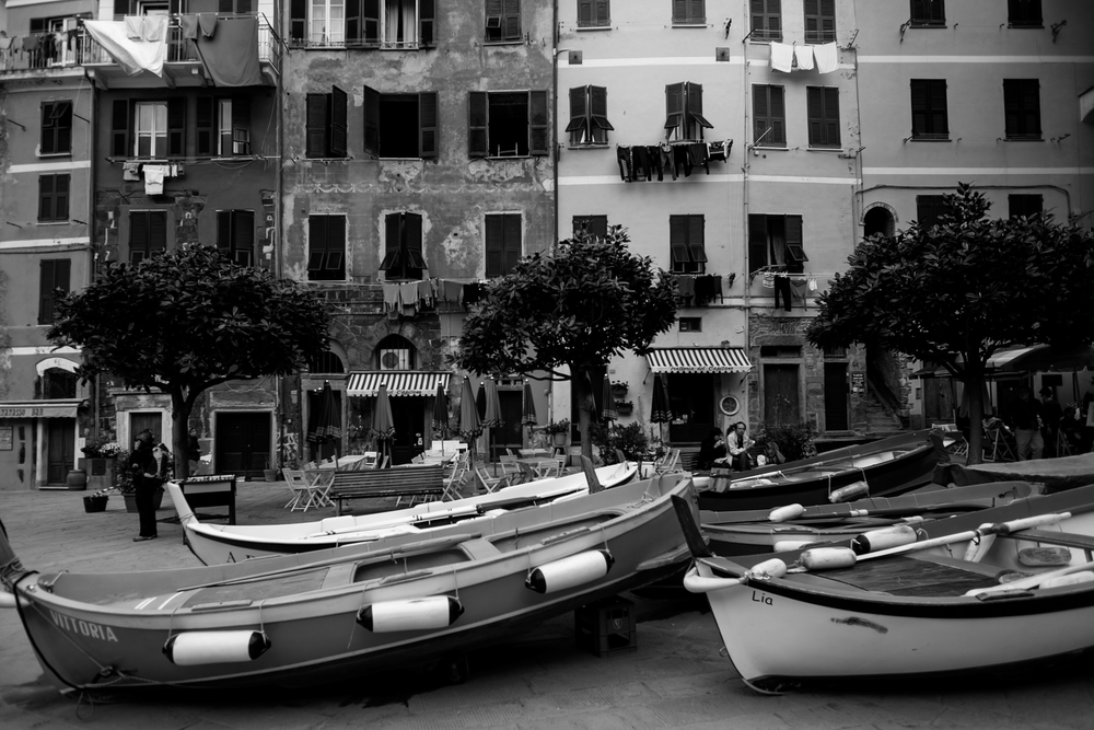 BoatsVernazza.jpg
