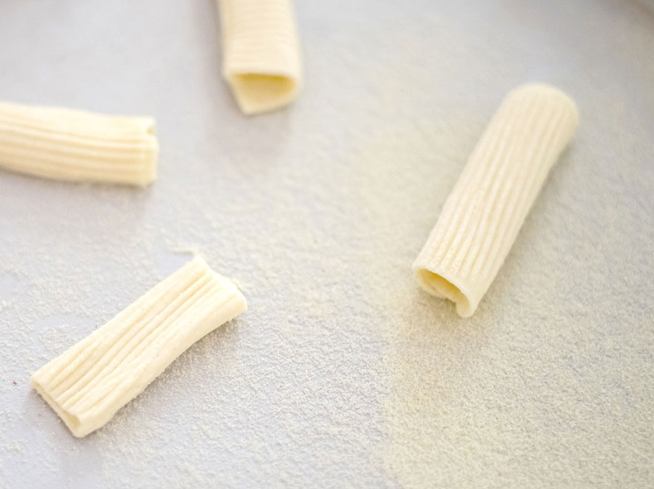 Rigatoni-Drying3.jpg