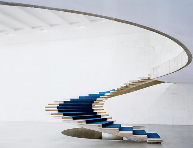 Stairs - Oscar Niemeyer - 1.jpg