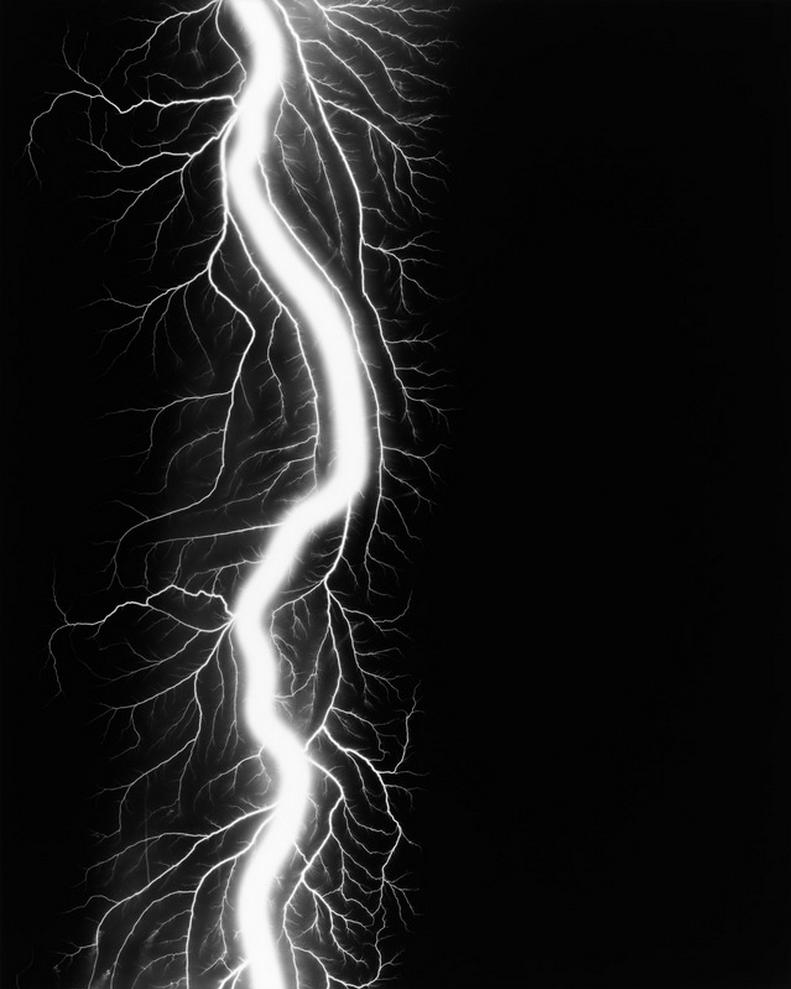 Lightning Fields 220 2009 - Hiroshi Sugimoto Artist - 1.png