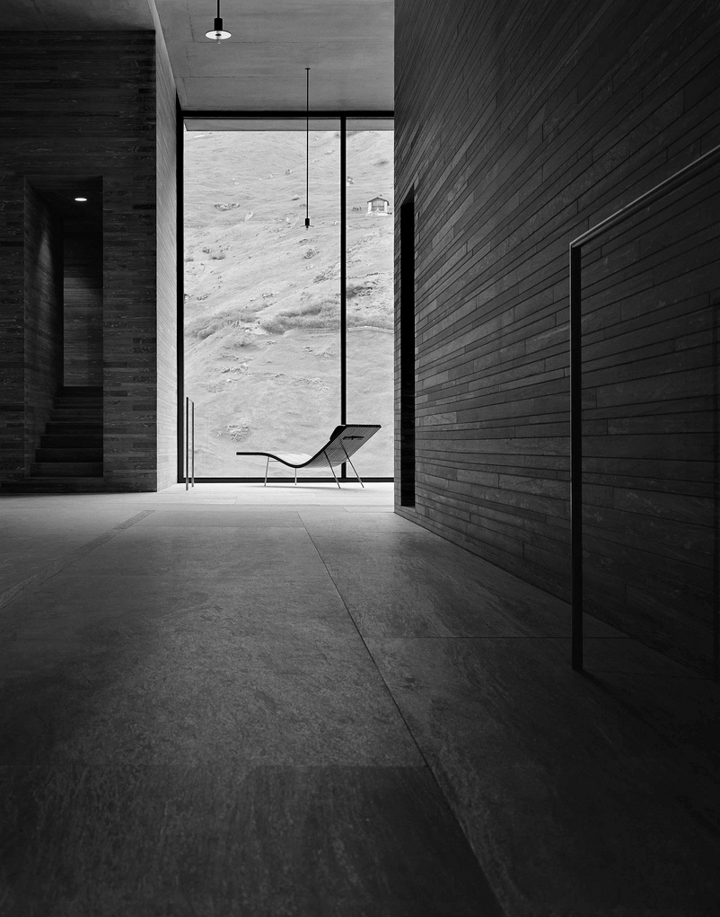 Therme Vals - Peter Zumthor - Helene Binet Photographer - 2.png