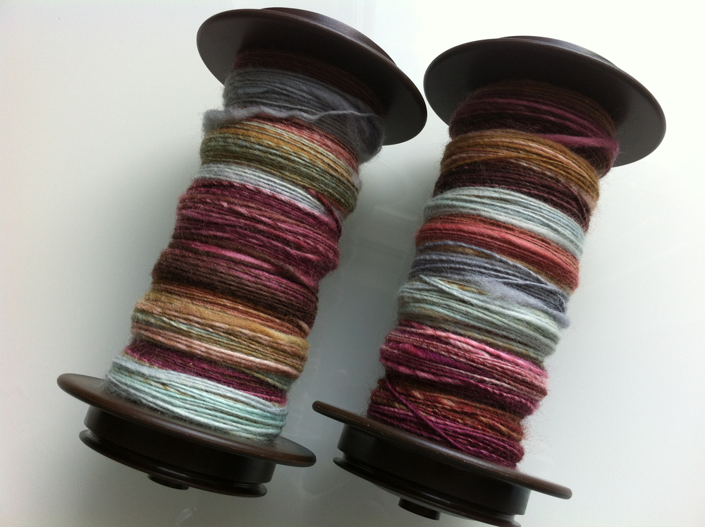 I finished spinning that second bobbin of the awesomely delicious Hello Yarn fibre.