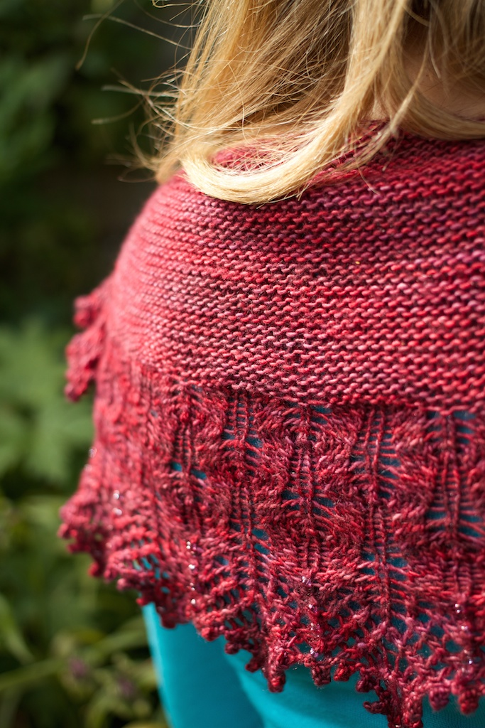 The garter stitch body of Cloud Illusions is perfect for the round smooshy single of the Tanis Red Label yarn.