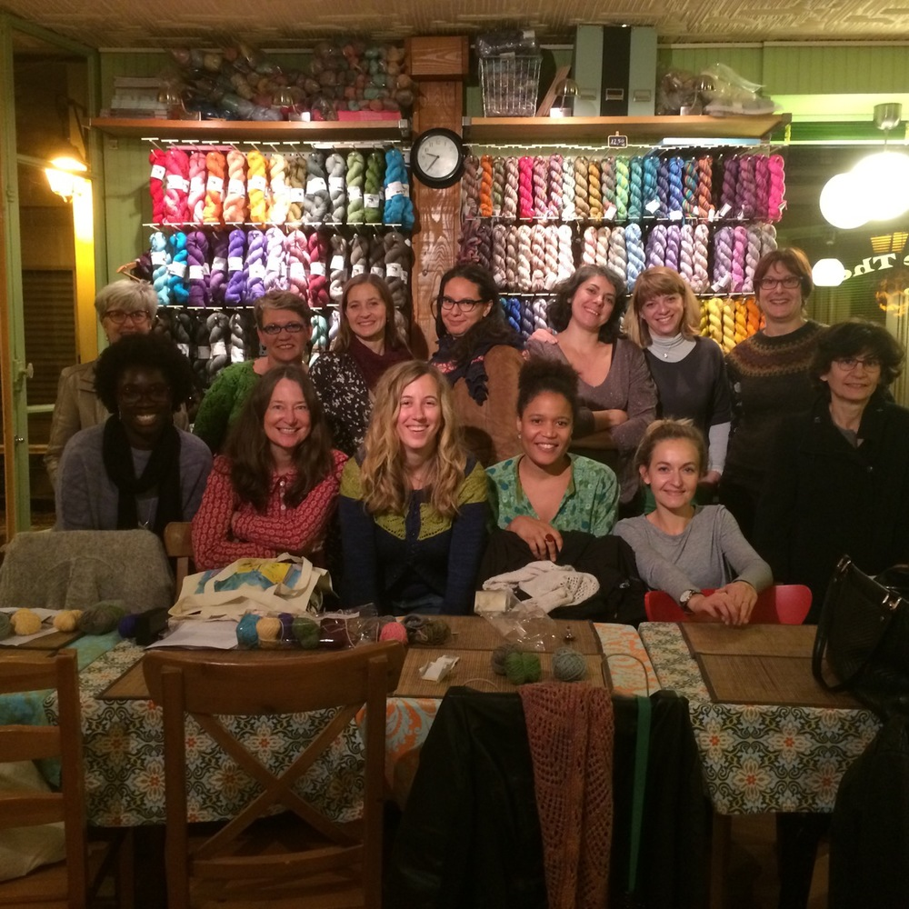 The obligatory group shot of the evening's knitters