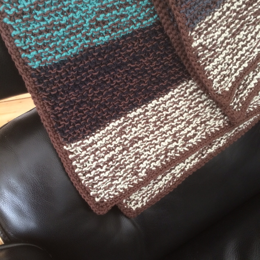 Detail shot of the crochet border - just two rows of single crochet all the way around.
