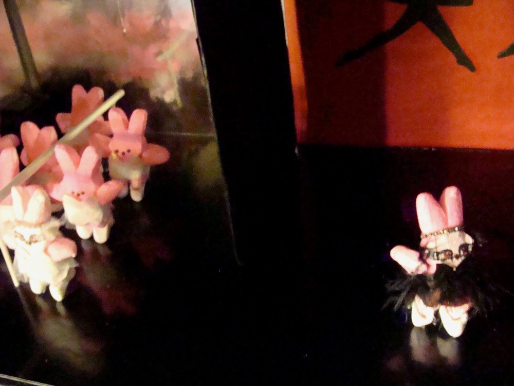 alternate angle of Black Peep diorama
