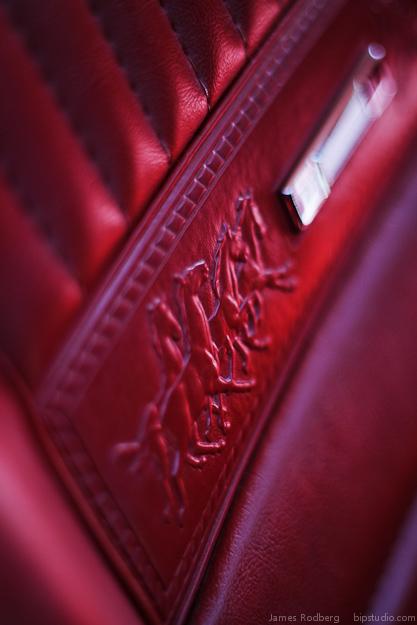 classic-car-mustang-seat_7799_2.jpg