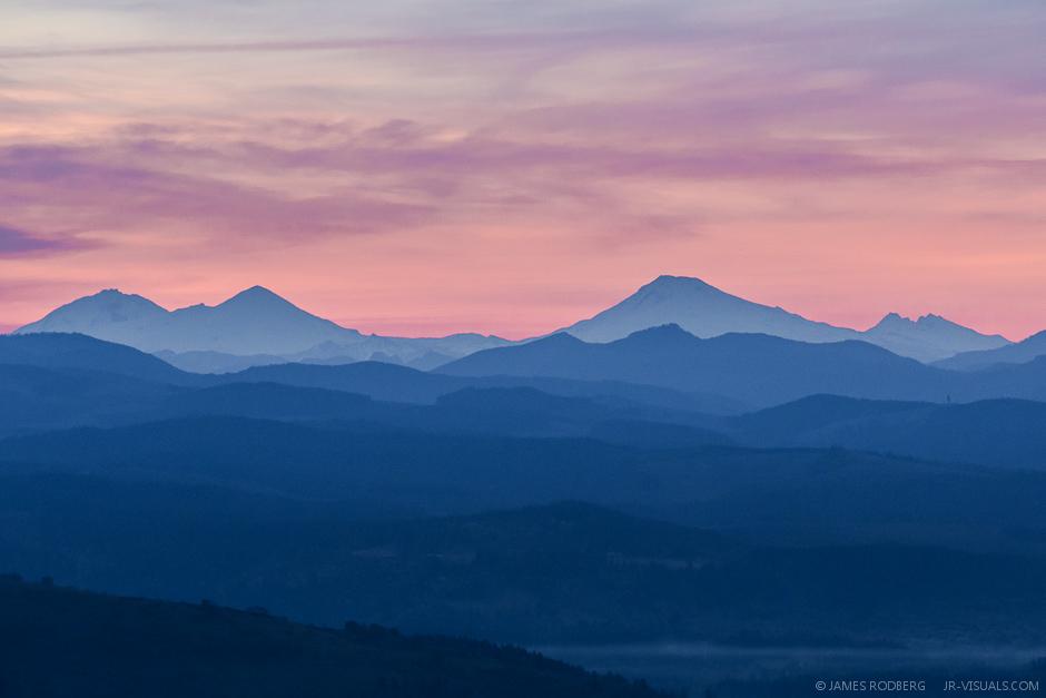 Cascade_Range_Sunrise_0474-.jpg