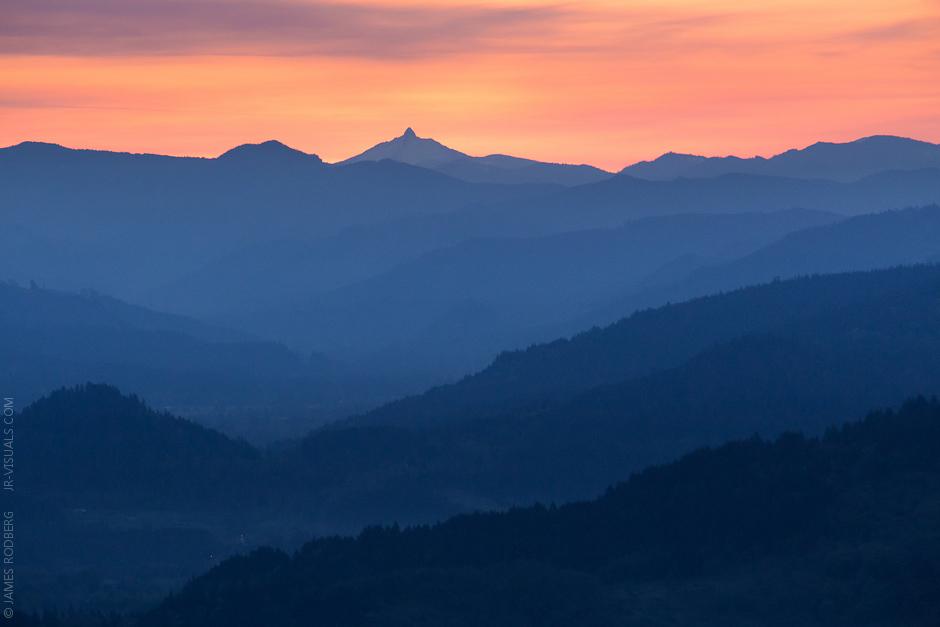 Cascade_Range_Sunrise_0475.jpg