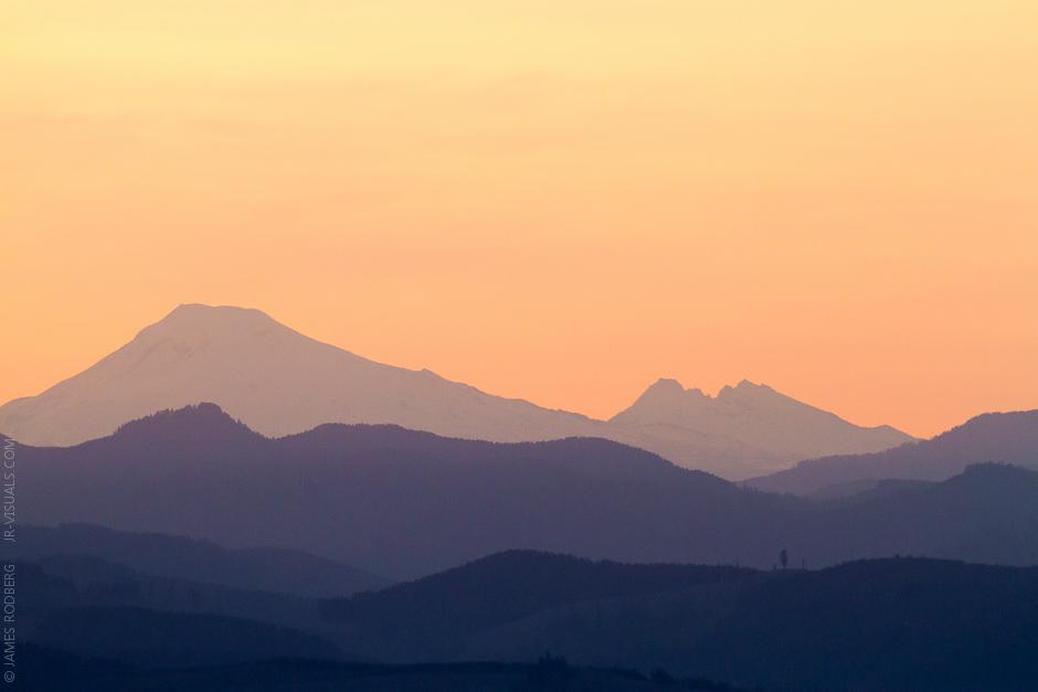 Cascade_Range_Sunrise_4519.jpg