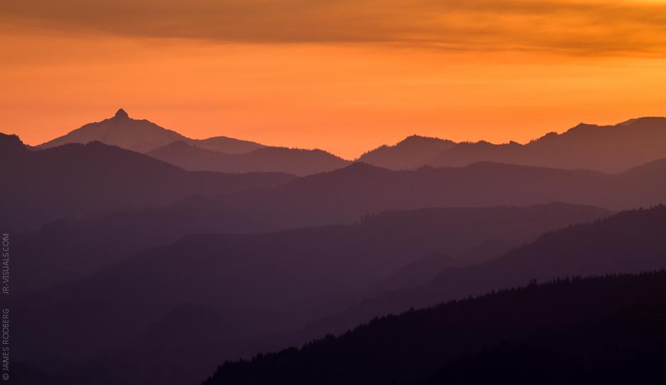 Cascade_Range_Sunrise_4529.jpg