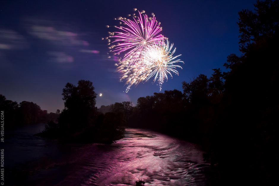 willamette-river-fireworks_1171
