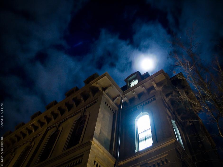 night-window-light-full-moon_7149_c2
