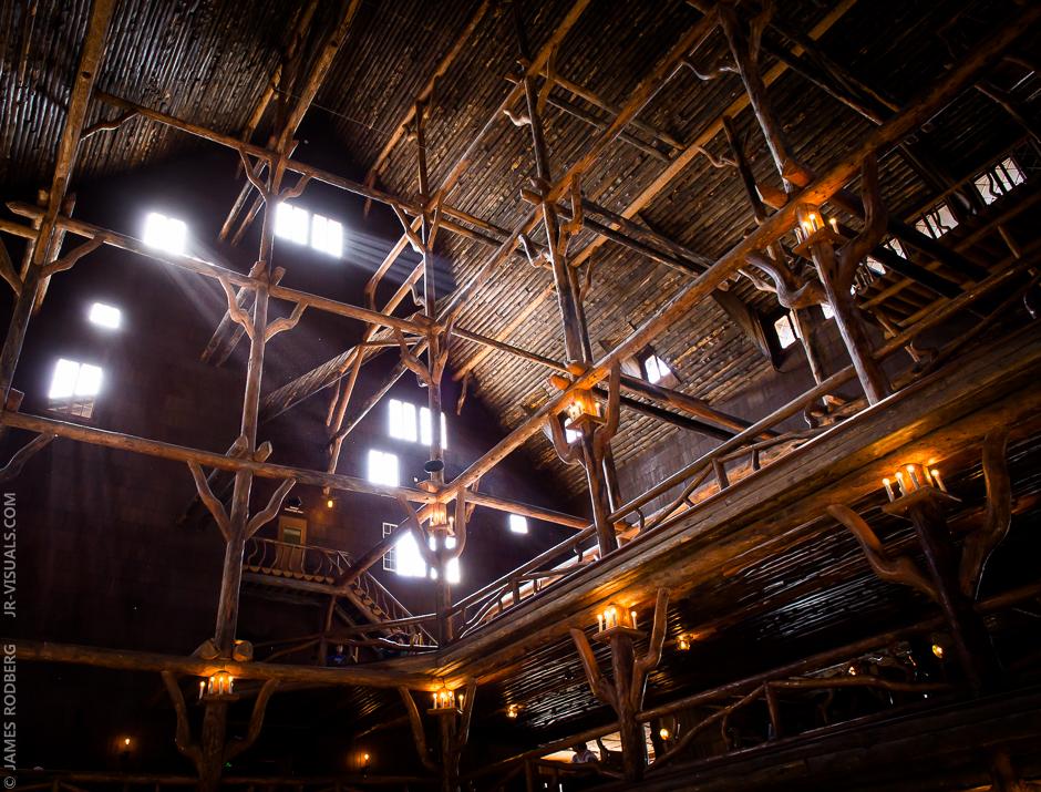yellowstone-lodge-inside_6426