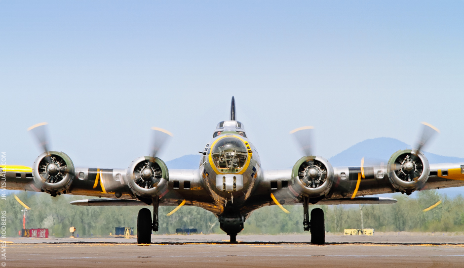 b17-flying-fortress-bomber_4868_2c