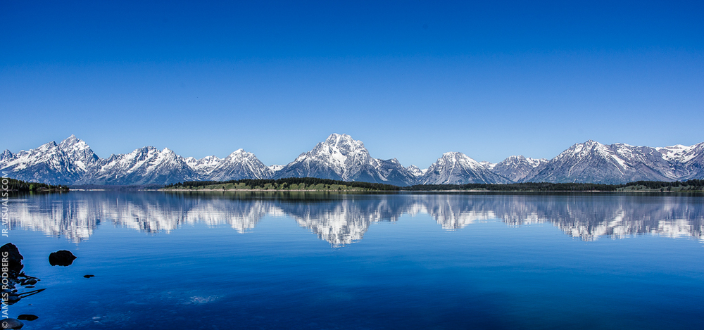 grand-teton-national-park-mountain-range-lake-reflection_2832-e