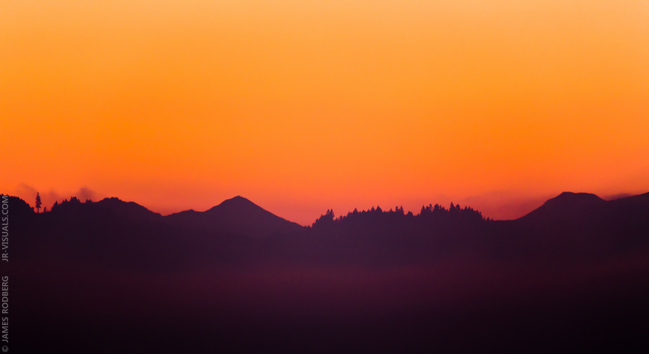 mountain-silhouette-dawn_0265