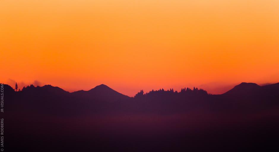 mountain-silhouette-dawn_0265