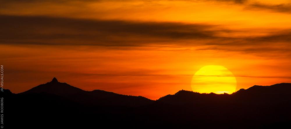 mountain-sunrise-silhouette_4478