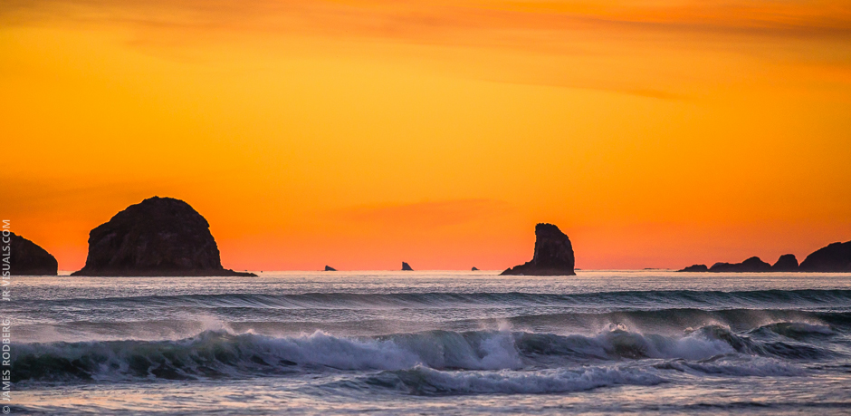 southern-oregon-coast-ocean-rocks-sunset_9271