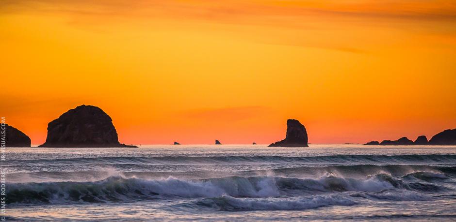 southern-oregon-coast-ocean-rocks-sunset_9271