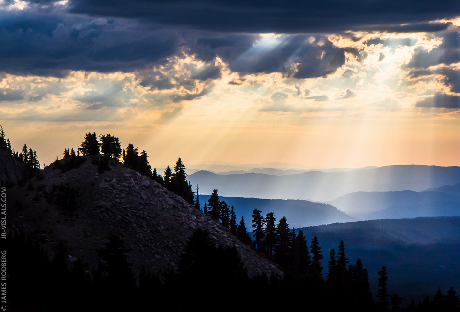 sun-rays-clouds-mountains_6326