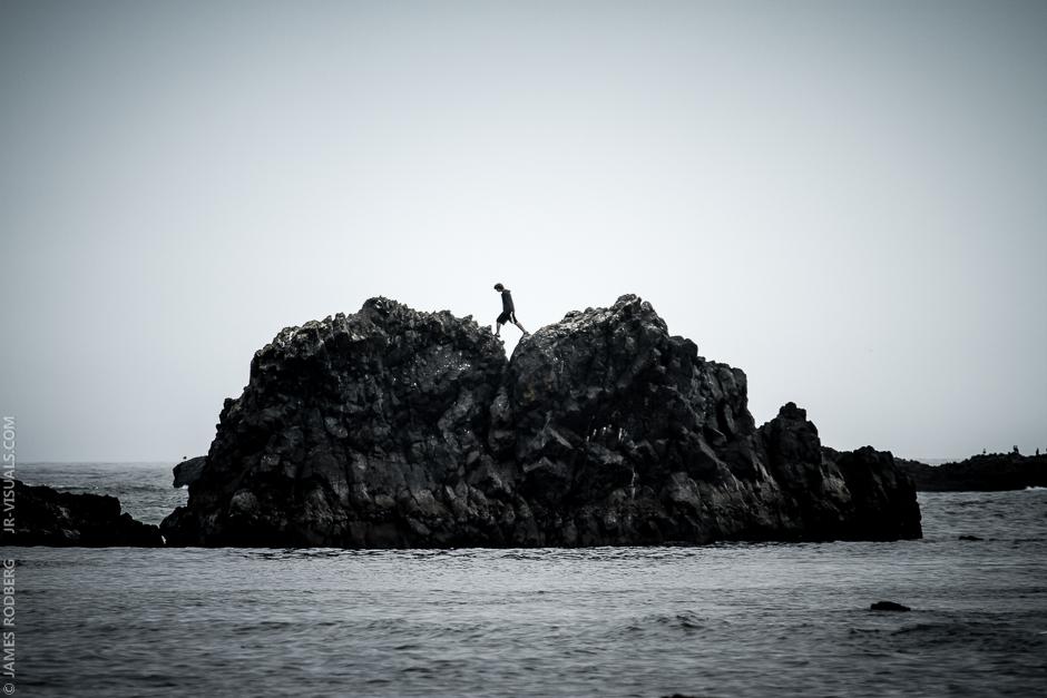 ocean-rock-walker_2674