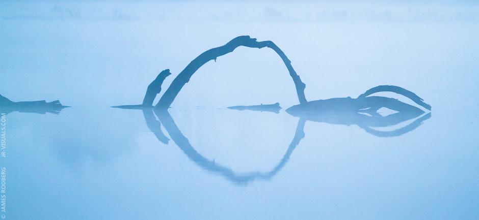 foggy-pond-reflection_4096