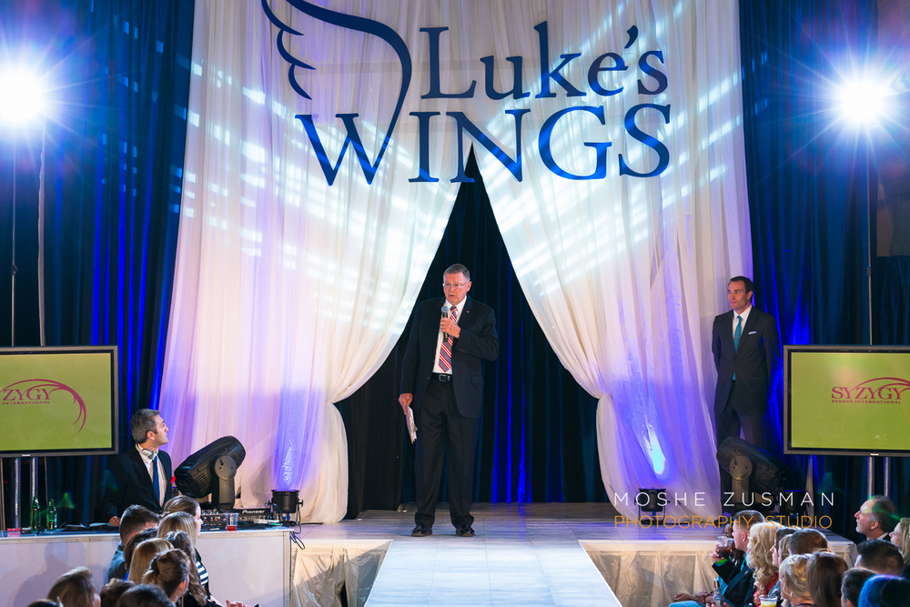 Lukes-wings-gala-event-wounded-warior-moshe-zusman-27.jpg