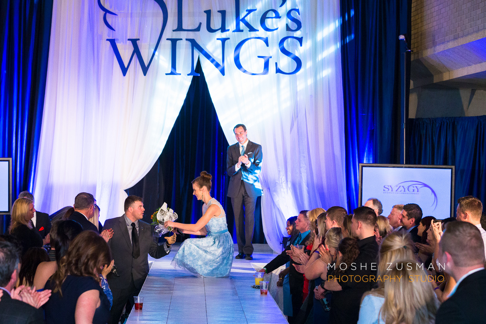 Lukes-wings-gala-event-wounded-warior-moshe-zusman-29.jpg