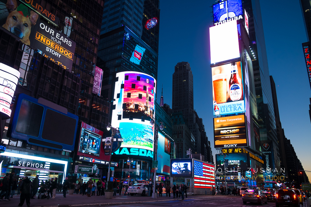 NYC-FujiFilm-X-E1-street-photography-night-3.jpg