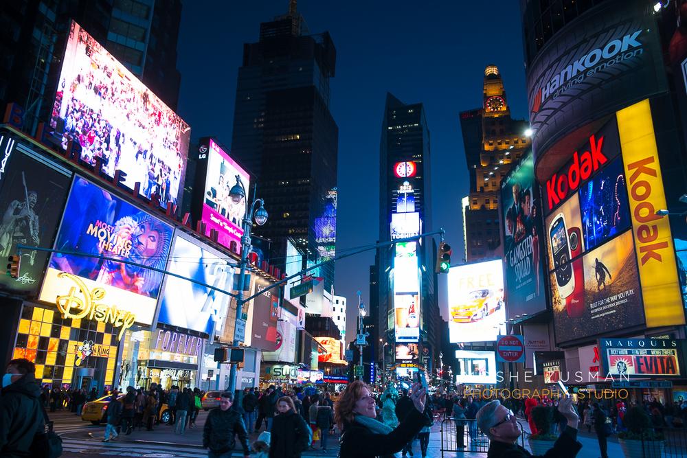 NYC-FujiFilm-X-E1-street-photography-night-6.jpg