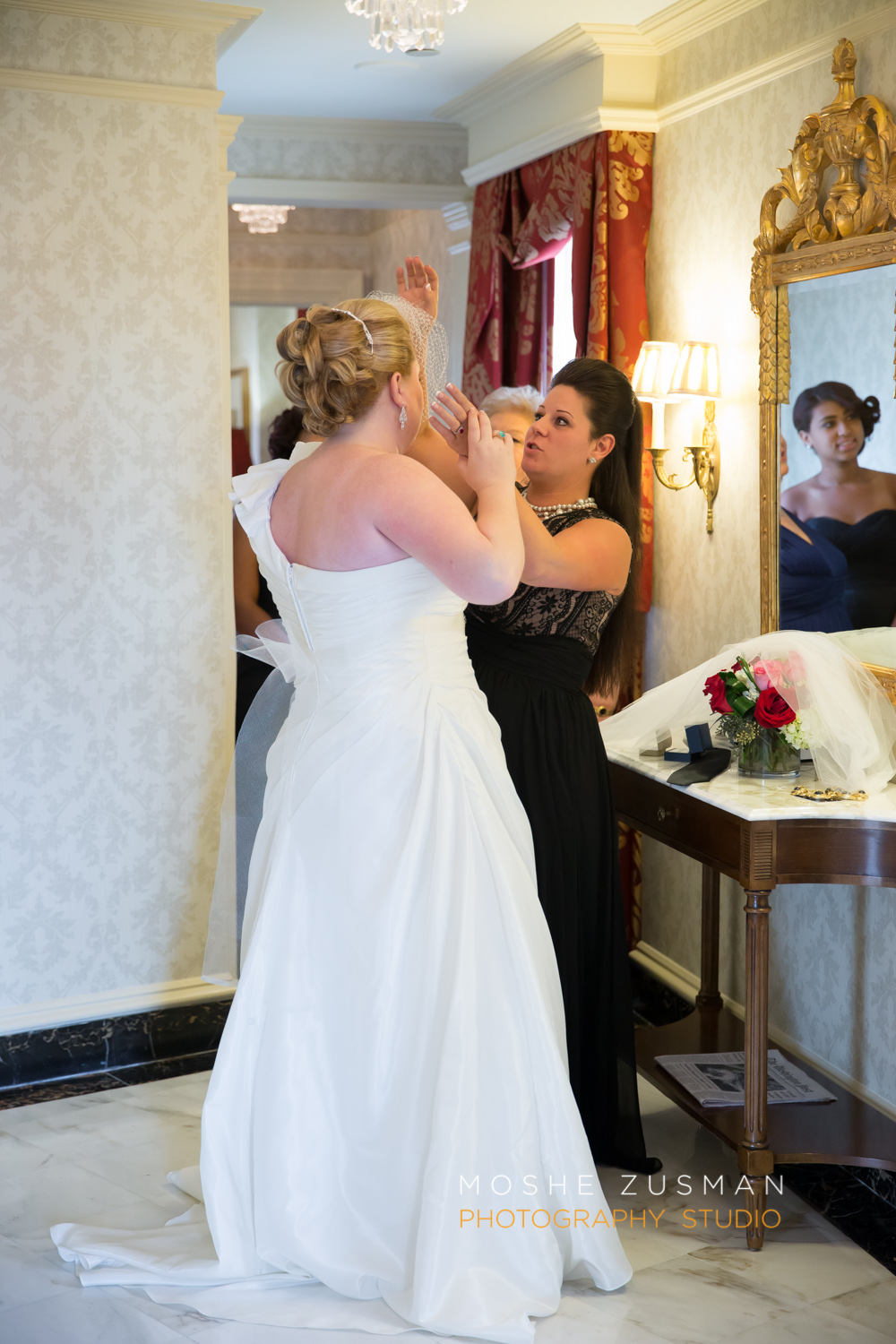 Washington_DC_Wedding_Photographer_Moshe_Zusman_Lincoln_Restaurant-13.jpg