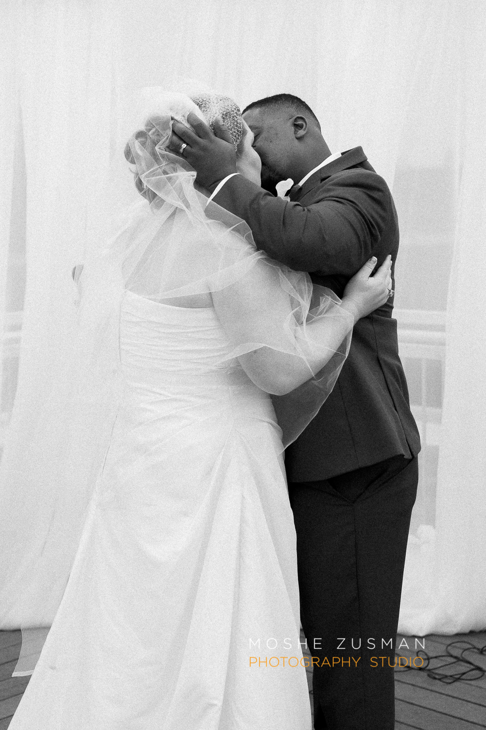 Washington_DC_Wedding_Photographer_Moshe_Zusman_Lincoln_Restaurant-54.jpg