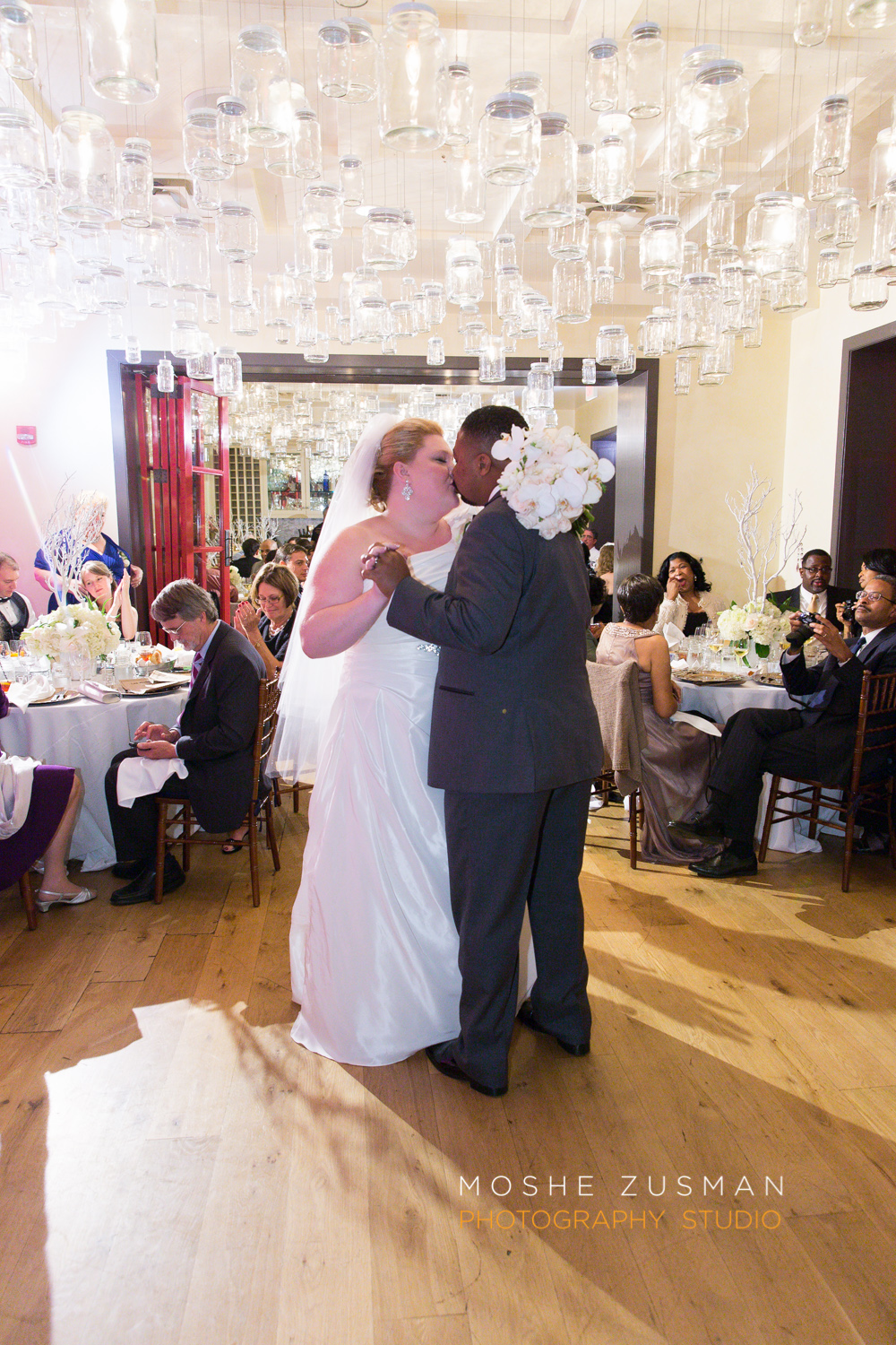 Washington_DC_Wedding_Photographer_Moshe_Zusman_Lincoln_Restaurant-65.jpg