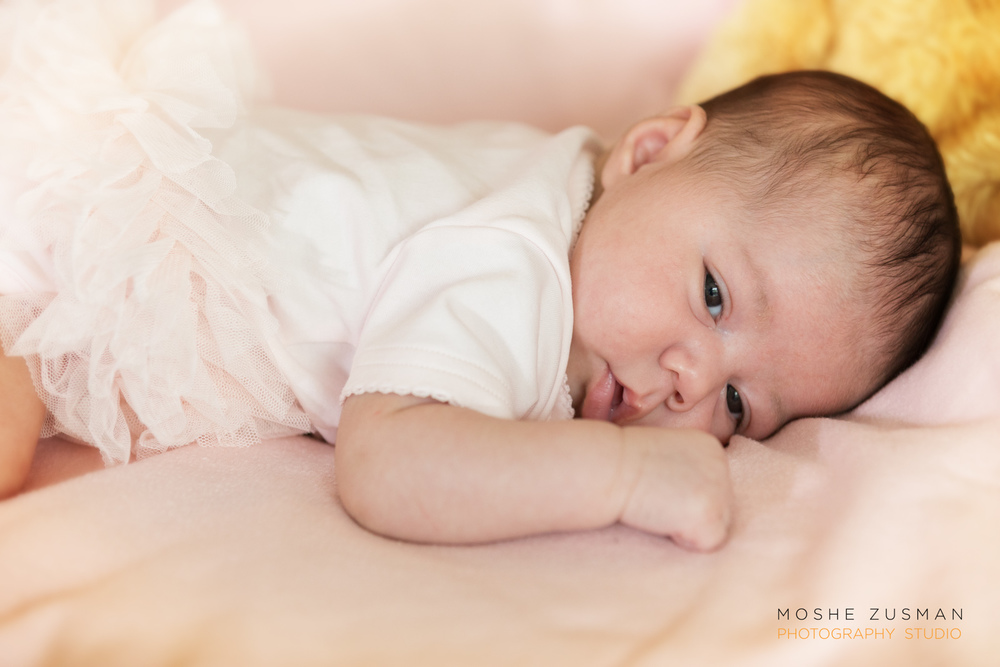 baby-portrait-family-photos-moshe-zusman-baby-roya-16.jpg