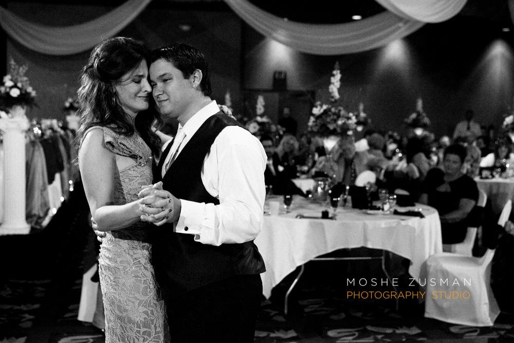 Moshe_Zusman_Wedding_Photography_Emily_Cameron_Eggly_Ohio-65.jpg