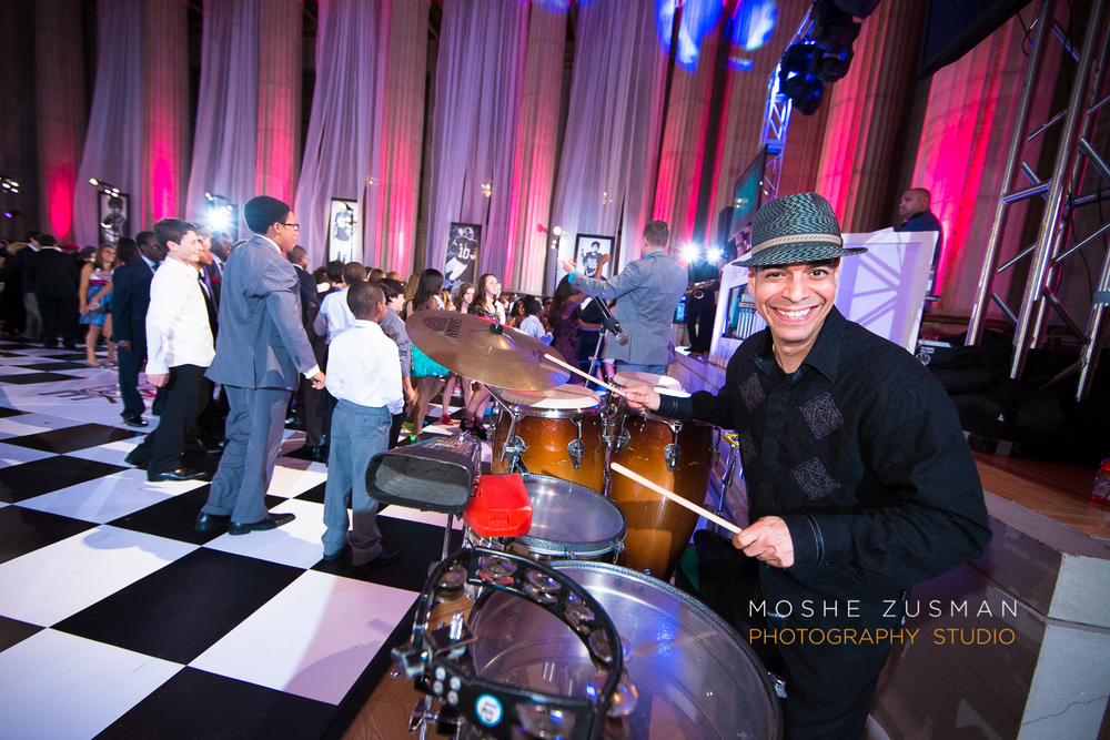 Bar-Mitzvah-photographer-moshe-zusman-RSVP-mellon-auditorium-44.jpg