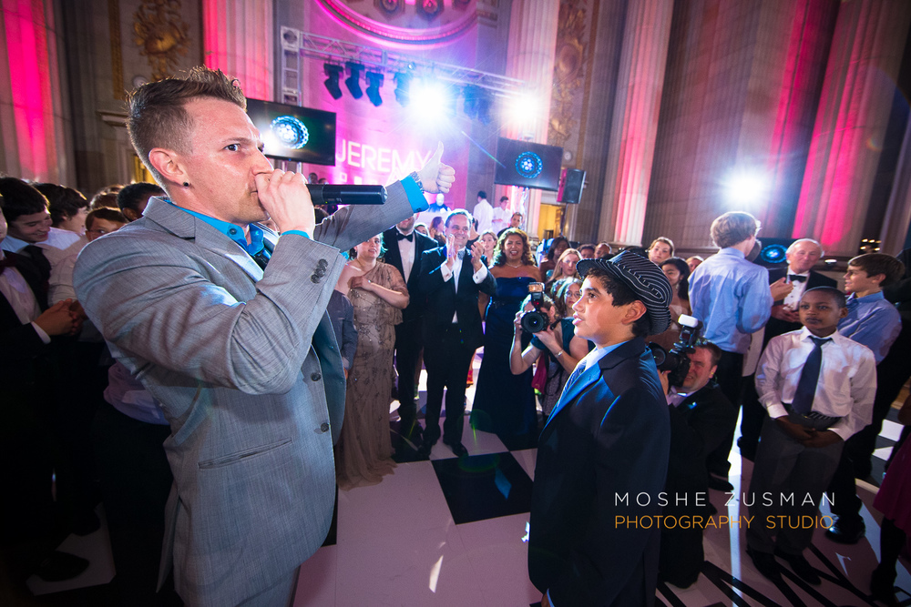 Bar-Mitzvah-photographer-moshe-zusman-RSVP-mellon-auditorium-53.jpg