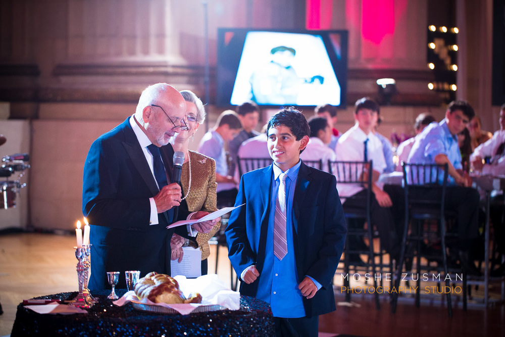 Bar-Mitzvah-photographer-moshe-zusman-RSVP-mellon-auditorium-58.jpg