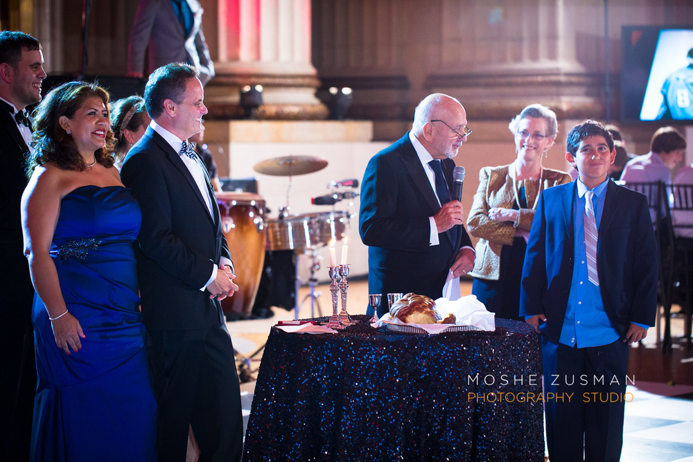 Bar-Mitzvah-photographer-moshe-zusman-RSVP-mellon-auditorium-59.jpg