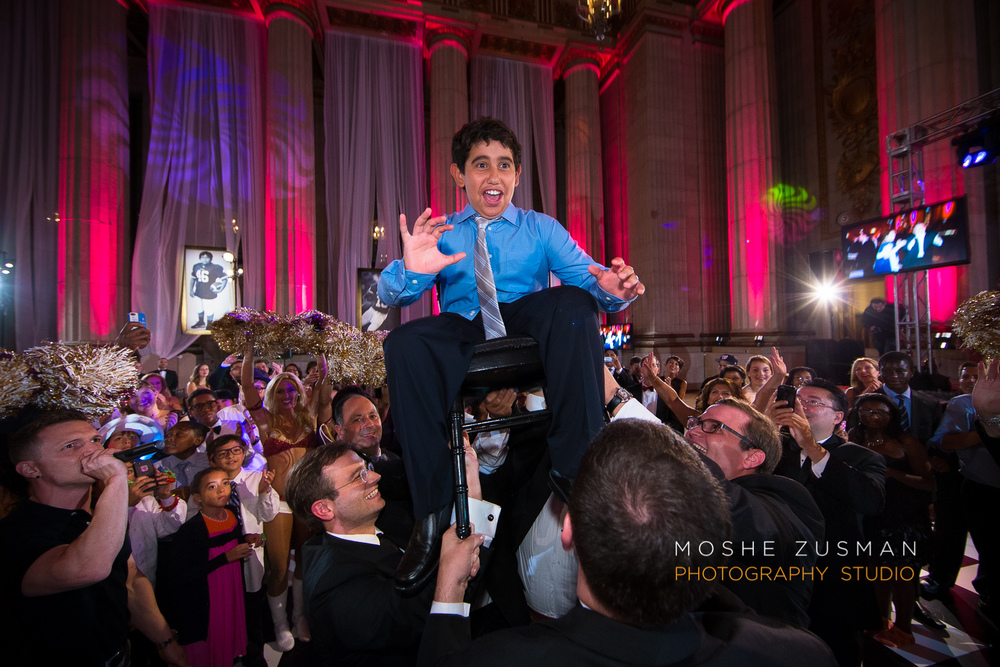 Bar-Mitzvah-photographer-moshe-zusman-RSVP-mellon-auditorium-75.jpg