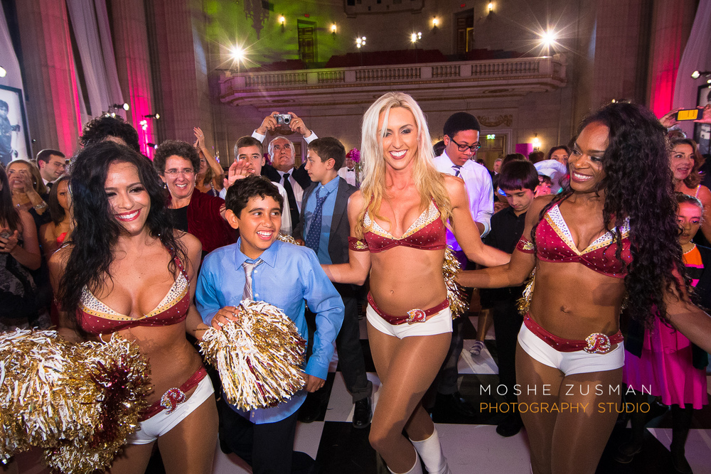 Bar-Mitzvah-photographer-moshe-zusman-RSVP-mellon-auditorium-73.jpg